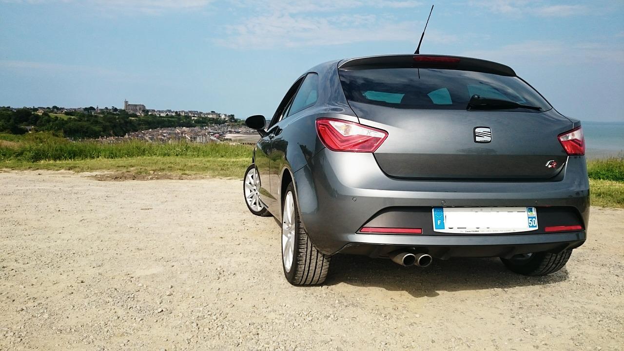 Rear facing silver SEAT Ibiza