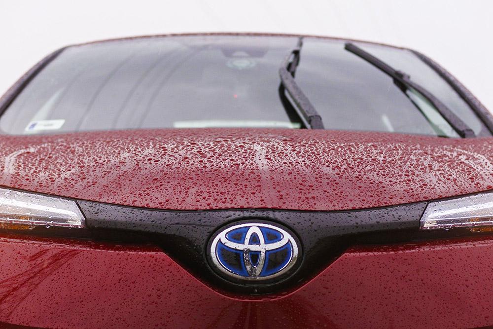 Burgundy Toyota Aygo front