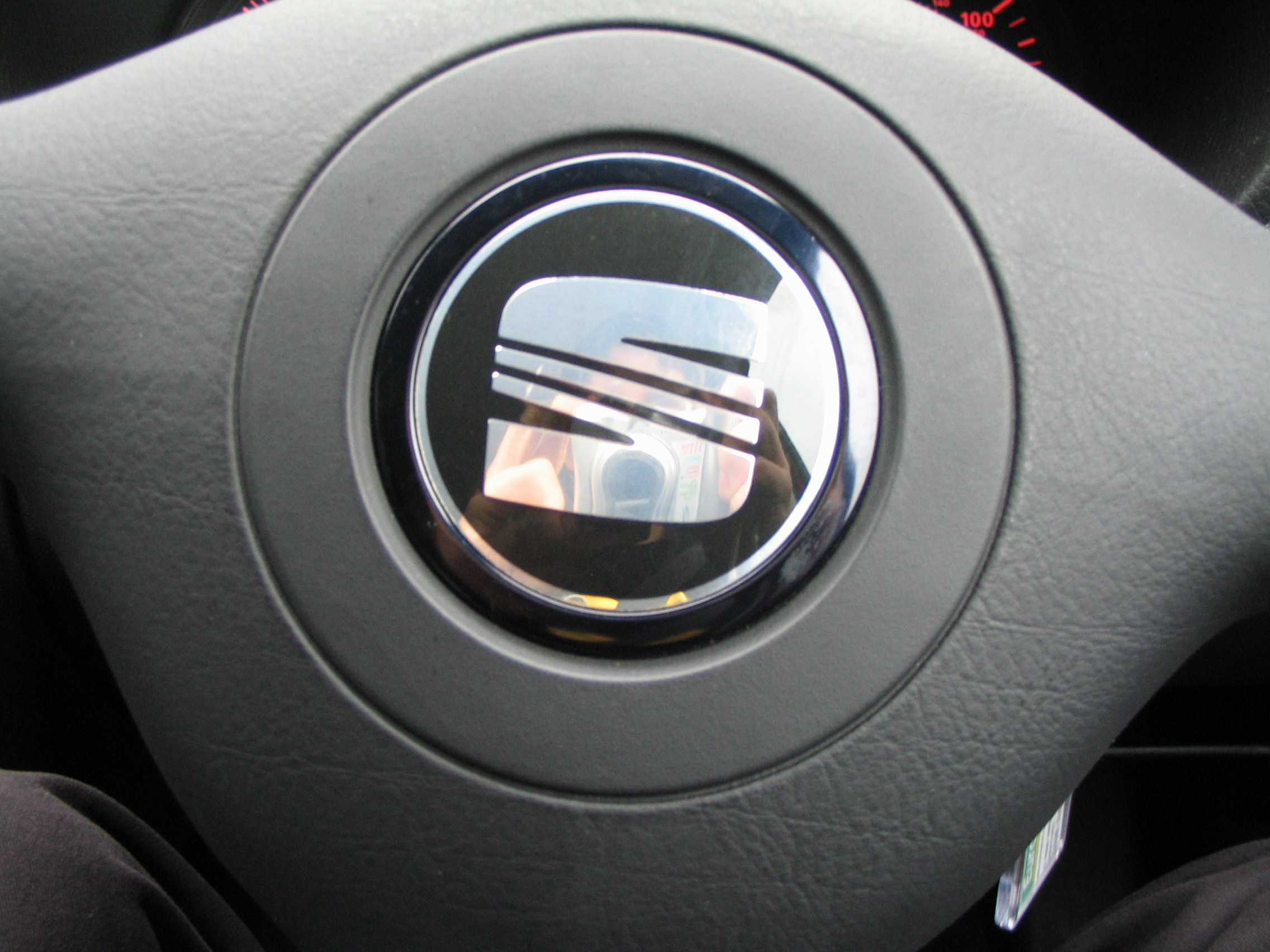 SEAT logo on steering wheel