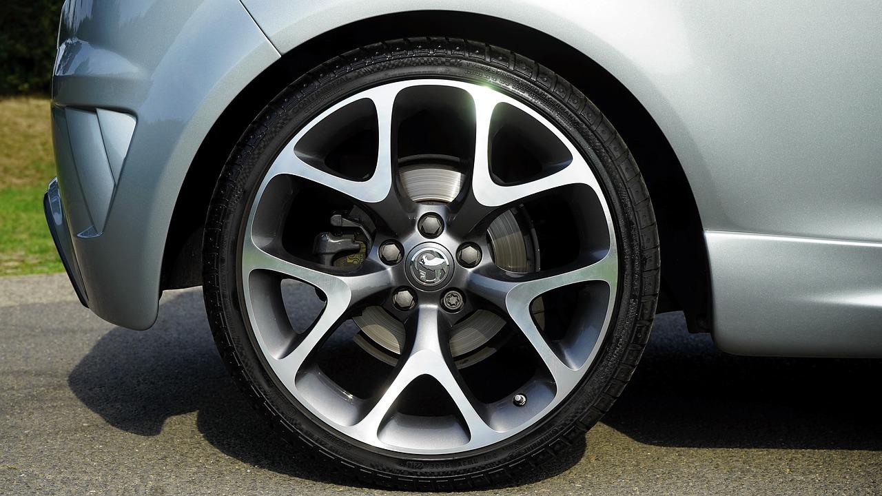 Vauxhall Adam car wheel