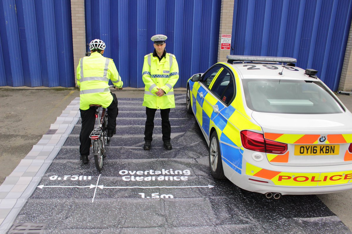 Photo showing a safe distance to overtake cyclists