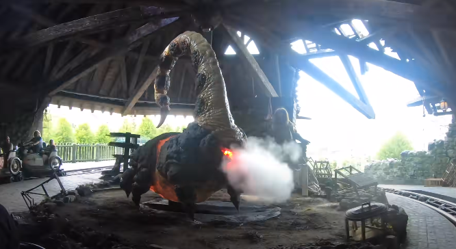 Hagrid's Magical Creature Motorbike Adventure Ride video